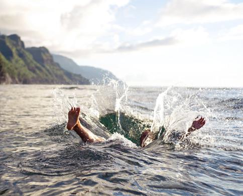 En el mar, pide ayuda ante cualquier situación de peligro