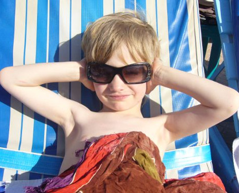 Enseña a tus hijos/as a protegerse del sol
